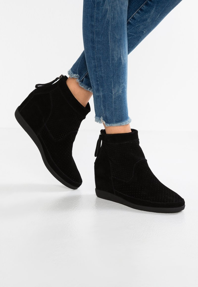 Shoe The Bear - EMMY  - Ankle boots - black