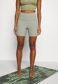Cotton On Body - POCKET BIKE SHORT - Collant - green haze - 0