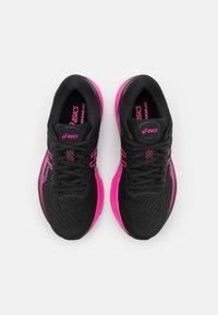 ASICS - GEL-KAYANO 27 - Løbesko stabilitet - black/pink glow - 3