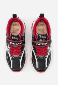 Geox - SPAZIALE BOY - Zapatillas - black/red - 3