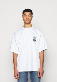 GCDS - OVERSIZE TEE - Print T-shirt - white - 0