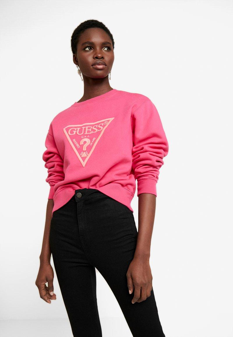 Guess - Sweatshirts - rouge/exotic rose