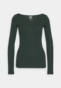 ONLY - ONLKIRA LIFE TOP  - Langærmede T-shirts - green gables - 0