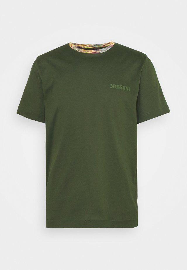 MANICA CORTA - T-shirt con stampa - dark green