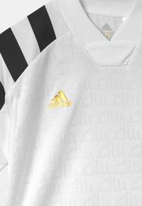 adidas Performance - UNISEX - Triko spotiskem - white/black/gold - 2