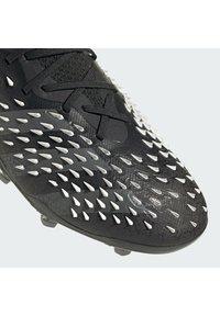 adidas Performance - PREDATOR FREAK .1 FG UNISEX - Korki Lanki - core black/grey four/ftwr white - 10