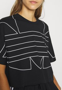 adidas Originals - LOGO TEE - T-shirts print - black/white - 5