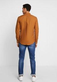 Farah - BREWER SLIM FIT - Shirt - spanish brown - 2