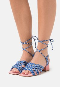 Toral - Sandals - azul/rosa/amarillo - 0