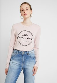 Superdry - DUNNE STRIPE GRAPHIC - Long sleeved top - pink - 0