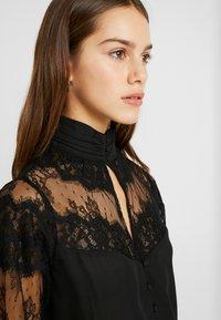 Fashion Union Petite - OLEUM FASHION UNION INSERT BLOUSE - Button-down blouse - black - 3