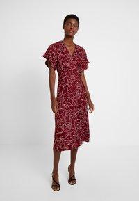 Great Plains London - CELESTE SKETCH - Denní šaty - cabernet milk - 2