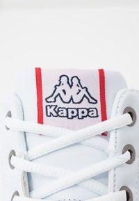 Kappa - BONFIRE - Sportieve wandelschoenen - white - 2