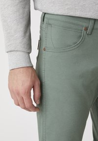 Wrangler - Jeans slim fit - wreath green - 4
