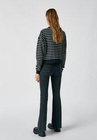 PULL&BEAR - Sweatshirts - black - 1