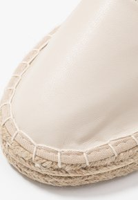 New Look - MOGUE - Espadrilky - offwhite - 2