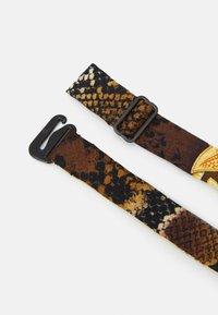 Versace - TIES WASHED HERITAGE ANIMAILER PRINT - Vlinderdas - gold/brown/white - 1