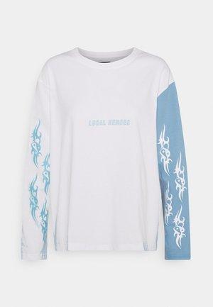TRIBAL LOVE WHITE LONGSLEEVE - Longsleeve - blue/white