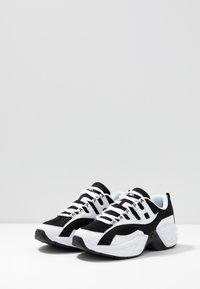 Kappa - OVERTON - Sports shoes - white/black - 2