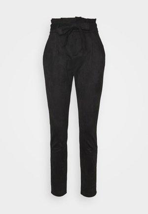 VMEVA PAPERBAG PANT - Kalhoty - black