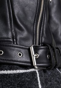 Vero Moda - VMEILEEN SHORT COATED JACKET - Faux leather jacket - black - 4