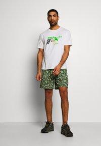 Patagonia - BAGGIES LONGS - Sports shorts - kale green - 1