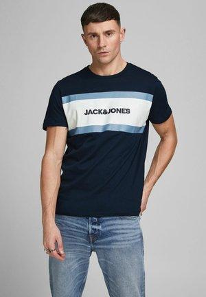 SHAKE TEE CREW NECK - T-shirt con stampa - navy blazer