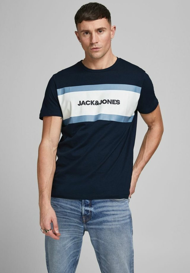 SHAKE TEE CREW NECK - Camiseta estampada - navy blazer