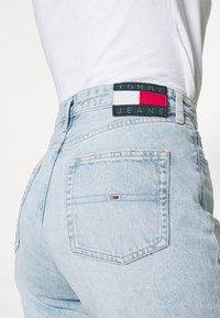 Tommy Jeans - HARPER DENIM BERMUDA - Shorts di jeans - light blue denim - 4