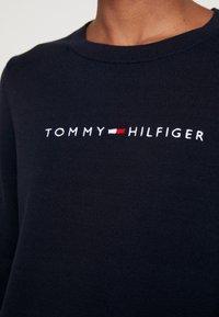 Tommy Hilfiger - JENAH GRAPHIC - Strikkegenser - desert sky - 5