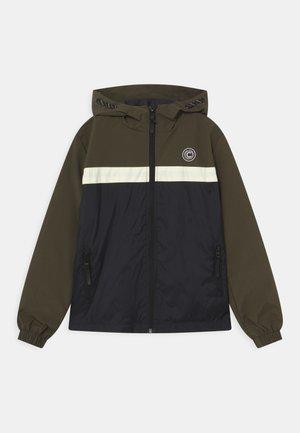 SHUFFLE - Light jacket - army
