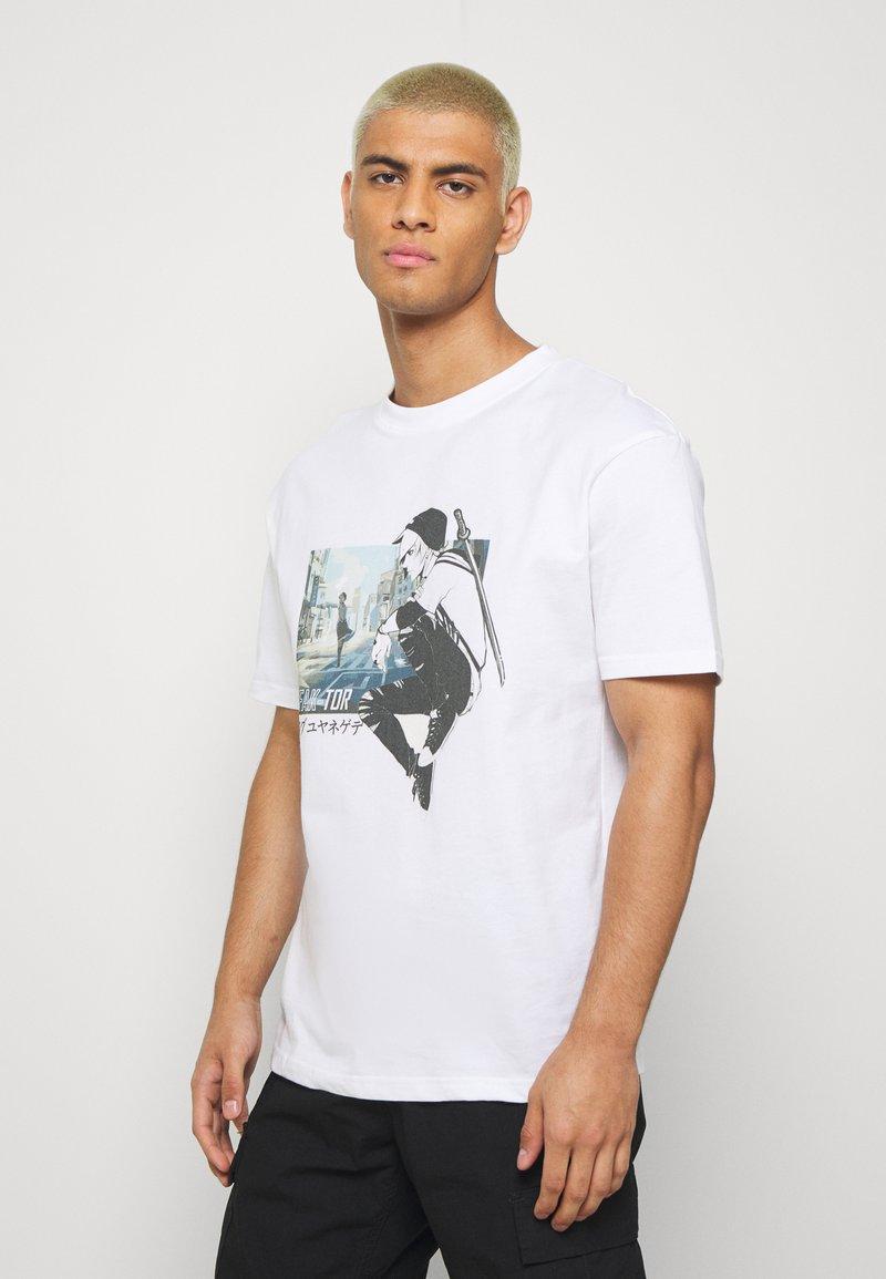 FAKTOR - MANGA TEE - Print T-shirt - white