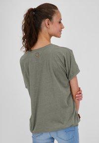 alife & kickin - Basic T-shirt - dust - 2