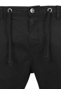 Urban Classics - JOGGING - Cargo trousers - black - 2