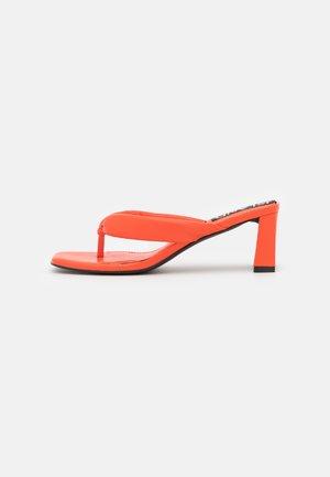 Heeled mules - orange