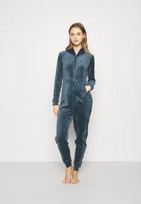 Hunkemöller - ONESIE SLIM - Pyjamas - dark teal - 1