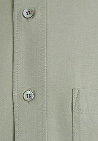 ARKET - SHIRT - Shirt - green - 2