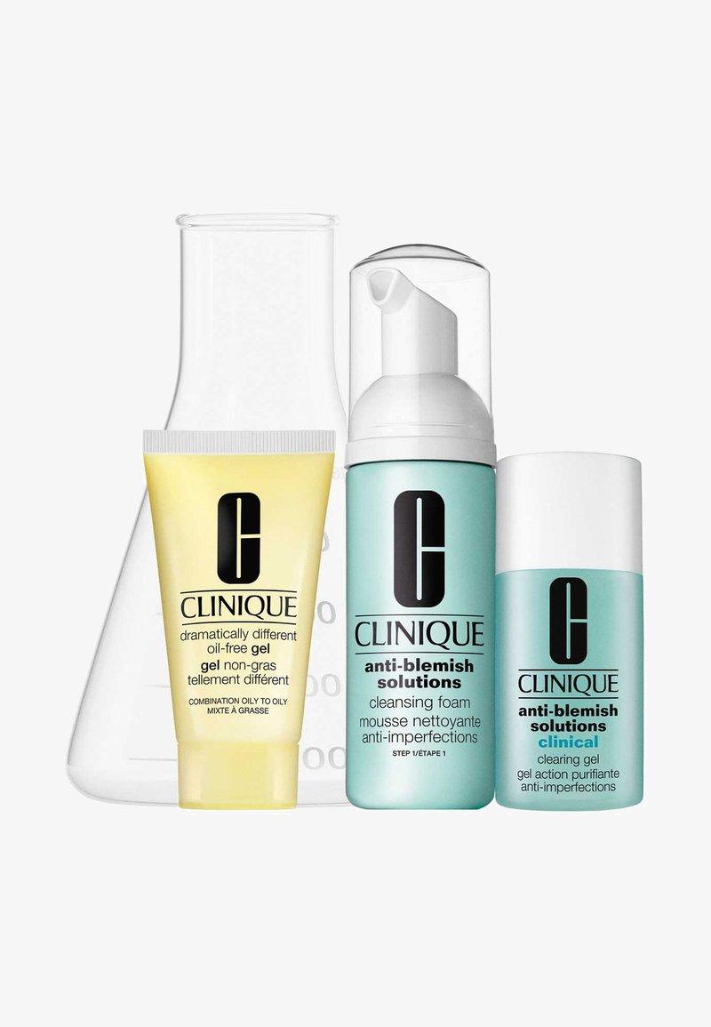 Clinique - DERM PRO SOLUTIONS: TROUBLED SKIN - Skincare set - -