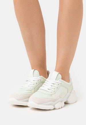 JULIA - Trainers - mint