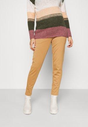 VMMLUCCALILITH PANT - Pantaloni - tobacco brown