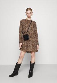 Even&Odd - SHORT CREW NECK - Day dress - black/beige - 1