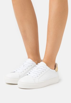 SLFDONNA NEW CONTRAST TRAINER - Trainers - gold