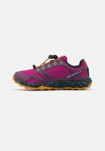 ALTALIGHT WTRPF UNISEX - Hiking shoes - fuchsia