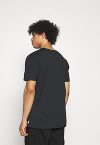 Quiksilver - MADE OF BONES - T-shirt con stampa - black - 2