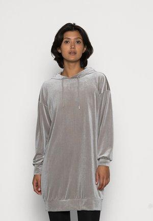 VMDANA HOODIE DRESS  - Vardagsklänning - ghost gray