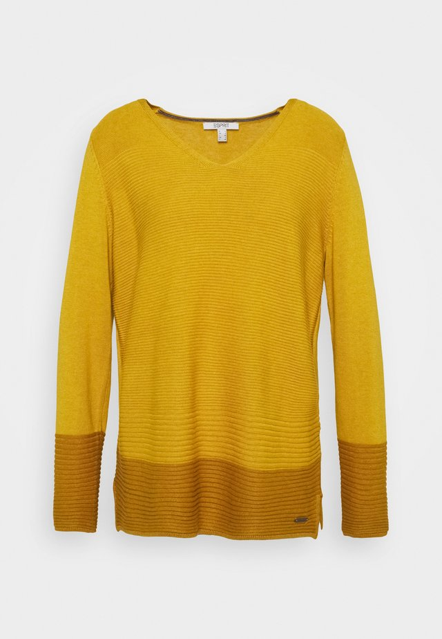 CORE VNECK - Jersey de punto - brass yellow