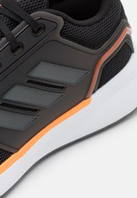 adidas Performance - EQ19 RUN - Scarpe running neutre - core black/grey five/screaming orange