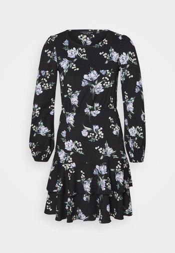 TIERED SKIRT MINI FLORAL - Jersey dress - black