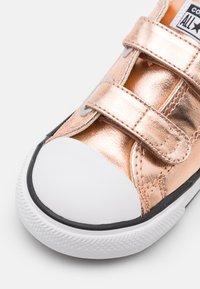 Converse - CTAS  - Sneakers laag - blush gold/white/black - 5