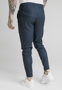 SIKSILK - SMART JOGGER PANT - Pantaloni - navy/grey - 2
